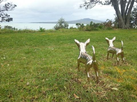 Day 3 installing NZ Sculpture OnShore at Fort Takapuna. Two adorable chihuahua by Irena Kennedy ready for action...