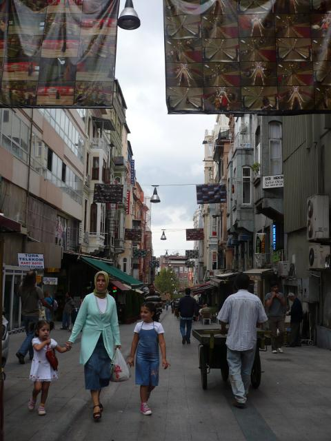 Street scenes on Istiklal Caddesi, Beyoğlu, photo by Rob Garrett