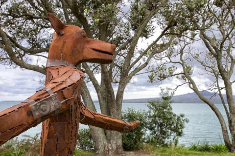 James Wright, Rover in the Clover 2012, NZ Sculpture OnShore 2012; photo by Mark Meredith