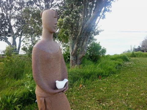 Jin Ling, Dove 2012, NZ Sculpture OnShore 2012; photo by Rob Garrett