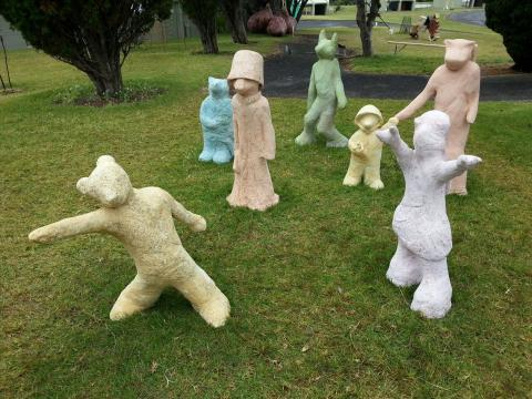 Lucy Bucknall, Children of the Revolution 2012, NZ Sculpture OnShore 2012; photo by Rob Garrett