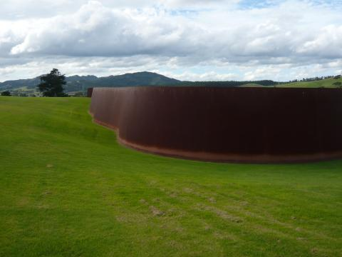 Richard Serra, Te Tuhirangi Contour 1999-2001, Gibbs Farm, photo by Rob Garrett