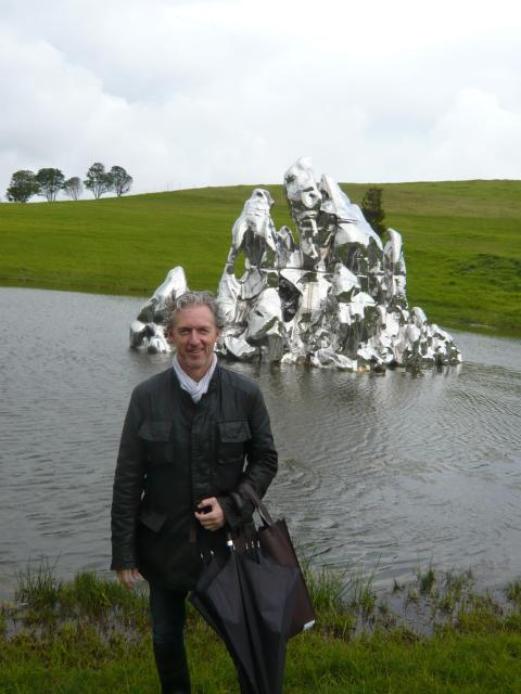 Rob Garrett (giving guided tour) with Zhan Wang, Floating Island of the Immortals, 2006; photo courtesy of Rob Garrett